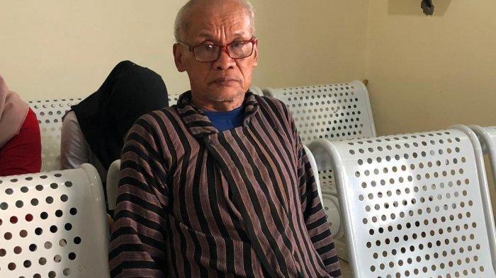 Ratapan Ayah Korban Susur Sungai di Makam Anaknya:
