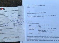 Politikus PPP Nizar Dahlan melaporkan Menteri Perencanaan Pembangunan Nasional/Badan Perencanaan Pembangunan Nasional (PPN/Bappenas) Suharso Monoarfa ke Komisi Pemberantasan Korupsi (KPK). Foto surat laporan.
