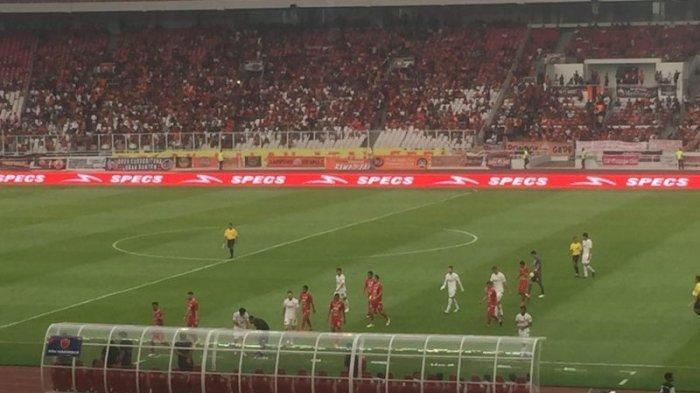 Persija Vs PSM Makassar: Suporter Juku Eja Tak Bisa Keluar Stadion Gelora Bung Karno