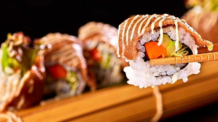 Tak Bisa Masak yang Rumit, Sushi Jadi Menu Andalan Syahrini untuk Reino Barack, Ini Trik Membuatnya