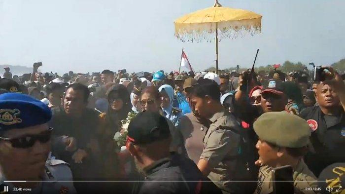 Susi Pudjiastuti Pulang Kampung ke Pangandaran, Disambut Ribuan Warga: Selamat Datang Bu Susi