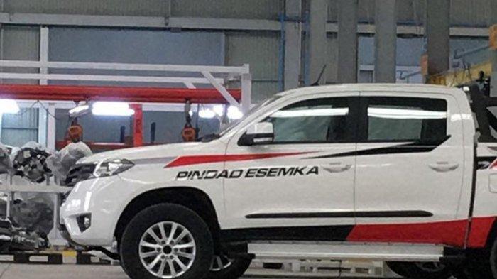 Pick up Esemka di pabrik Boyolali, Jawa Tengah.