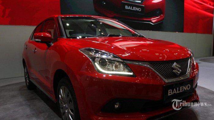 Suzuki Baleno Hatchback ditampilkan saat peluncuran di Gaikindo Indonesia International Auto Show (GIIAS) 2017 di ICE BSD, Tangerang, Banten, Kamis (10/8/2017). PT Suzuki Indomobil Sales meluncurkan Suzuki Baleno Hatchback pada GIIAS 2017 yang dibanderol untuk transmisi manual dibanderol Rp195 juta, dan transmisi matik Rp207,5 juta. TRIBUNNEWS/IRWAN RISMAWAN