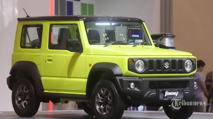 PT Suzuki Indomobil Sales (SIS) meluncurkan Suzuki Jimny di Gaikindo International Indonesia Motor Show (GIIAS) 2019 yang berlangsung di ICE, BSD, Tangerang Selatan, Jumat (19/7/2019). Peluncuran mobil fenomenal yang lama dinantikan para pecinta off road 4x4 ini diklaim sekaligus menandai inovasi Jimny generasi keempat yang hadir lebih eksklusif dan tangguh, baik dari performa, fitur, maupun tampilan. Tribunnews/Jeprima