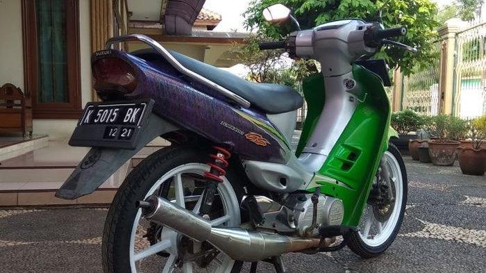 Tampil Menawan, Motor Suzuki 2 Tak Langka dengan Grafis Hijau-Ungu Two Tone