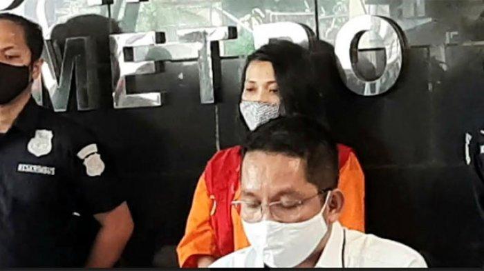 Jumpa pers penangkapan tersangka kasus dugaan pencemaran nama baik konten pornografi yang seret nama Syahrini di Polda Metro Jaya, Semanggi, Jakarta Selatan, Kamis (28/5/2020).
