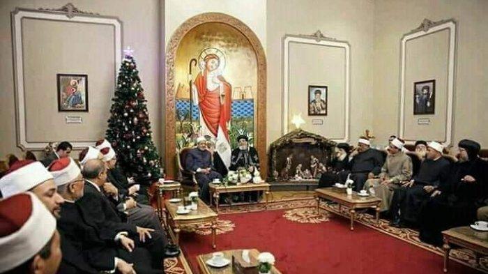 Syekh Azhar dan para masyayikh biasa berkunjung ke gereja bahkan Vatikan