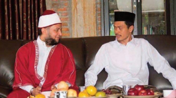 KH. Imam Jazuli lc. MA bersama Syekh Mohammad al Basyouni dari Universitas al Azhar Mesir ketika beliau berkunjung ke Pesantren Bina Insan Mulia.