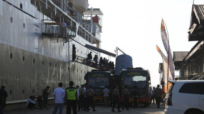 28 Tahanan Terorisme Palangkaraya Tiba di Pelabuhan Tanjung Emas Semarang Siang Tadi