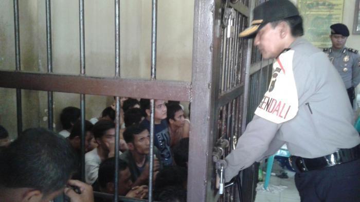 Antisipasi Sebaran Virus Corona di Polda Metro Jaya, Tahanan Dijemur Pagi Hari
