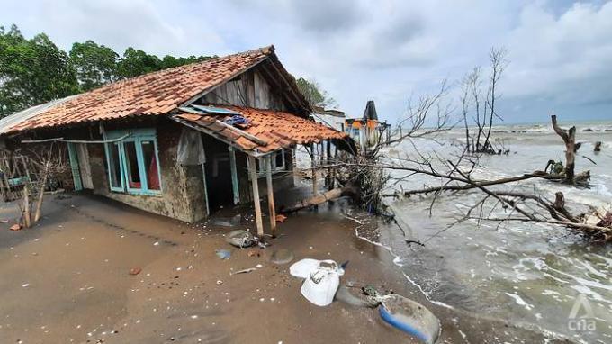 Cerita Warga Pekalongan Jadi Korban Penurunan Permukaan Tanah: Setiap Hari Rumah Kebanjiran