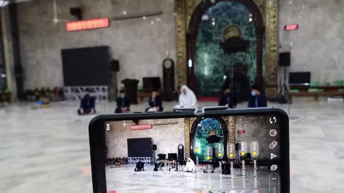 Takbir Virtual - Sejumlah imam sedang mengumandakan  Takbir di Mesjid Agung, Sunda Kalapa, Sabtu (23/5/2020).