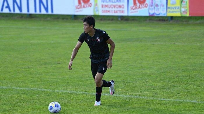 Perjuangan Tak Kenal Lelah AC Milan untuk Pinang Takehiro Tomiyasu dari Bologna