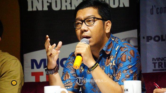 Peneliti Indonesia Corruption Watch (ICW) Kurnia Ramadhana berdiskusi dalam acara talkshow POLEMIK di d'consulate resto, Jakarta Pusat, Sabtu (7/9/2019). Talkshow ini memiliki tema KPK Adalah Koentji yang membahas tentang revisi Undang-Undang KPK yang sedang bergulir. TRIBUNNEWS.COM/IQBAL FIRDAUS