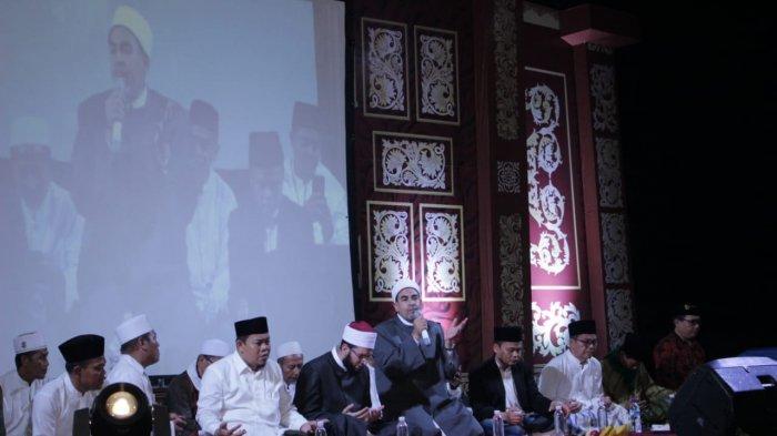 Haul KH Anas Sirojudin ke-6 di Pesantren Bina Insan Mulia, Cirebon, dihadiri para tokoh termasuk tamu undangan dari Universitas Al Azhar, Kairo, Mesir.