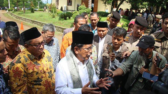 Kementerian ATRBPN - Tanah Eks HGU seluas 320 Hektare Diserahkan Kepada Masyarakat di Sukabumi - tanah-eks-hgu-seluas-320-hektare-diserahkan-kepada-masyarakat-di-sukabumi-2.jpg