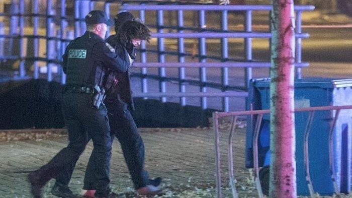 Pria Berpakaian Abad Pertengahan dan Bawa Pedang Ditangkap Polisi Kanada, Diduga Membunuh 2 Orang