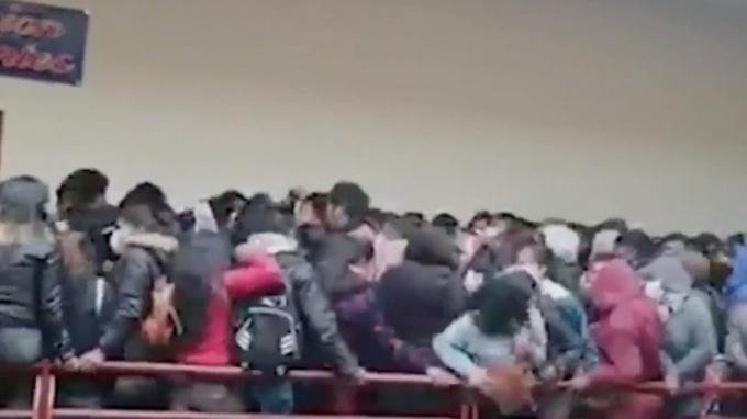 7 Mahasiswa di Bolivia Tewas Terjatuh dari Lantai 4 Gedung, Pagar Balkon Ambruk di Tengah Kerumunan