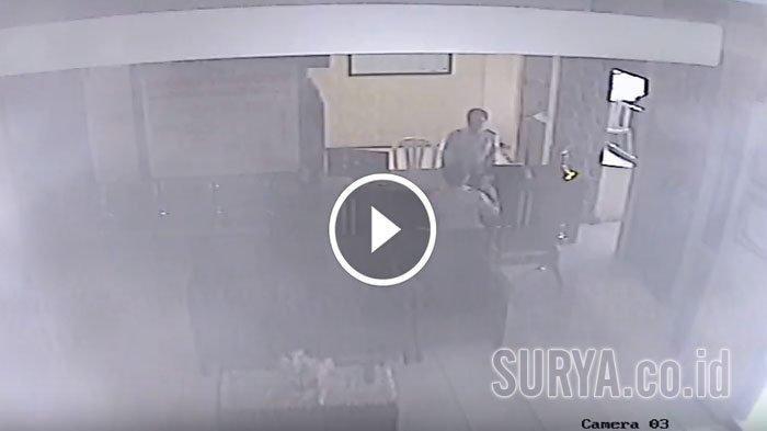 Tangkapan layar pelaku penyerangan Mapolsek Wonokromo Kota Surabaya, Sabtu (17/8/2019).