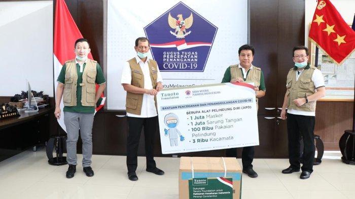 Tanoto Foundation Beri Donasi APD bagi Para Tenaga Medis dalam Melawan Corona