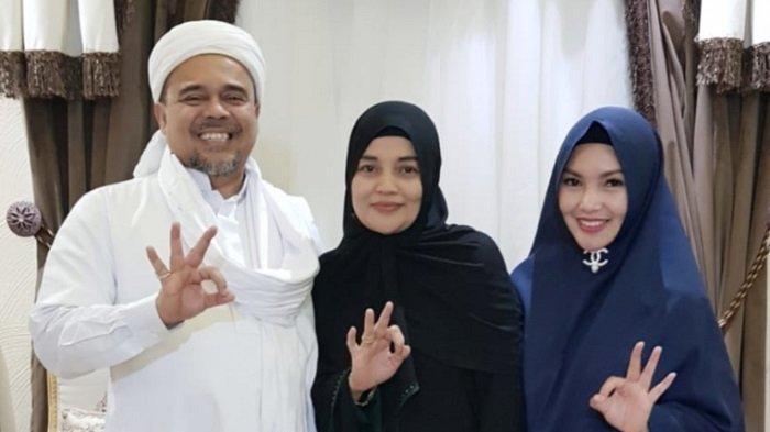 Tanty Octavia bertemu Habib Rizieq Shihab dan istrinya, Umi Syarifah di Jeddah.