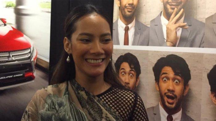 Tara Basro diperkenalkan sebagai Duta FFI 2019 saat peluncuran Festival Film Indonesia (FFI) 2019 di kawasan Dharmawangsa, Jakarta Selatan, Senin (23/9/2019).