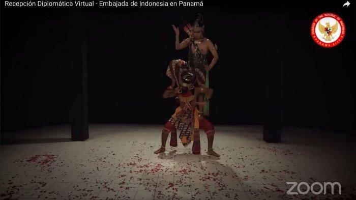 Tari Bambangan Cakil & Rama Shinta Tampil di Acara Resepsi Diplomatik HUT RI ke-76 KBRI Panama City