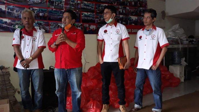 Sehari Setelah Lebaran, Ara Sirait Bagikan Ribuan Paket Beras di Tasikmalaya