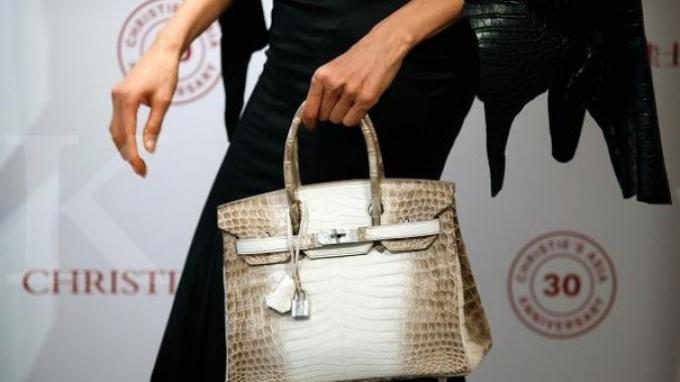Tas tangan albino Nilo crocodile Himalayan Birkin dari Hermès.