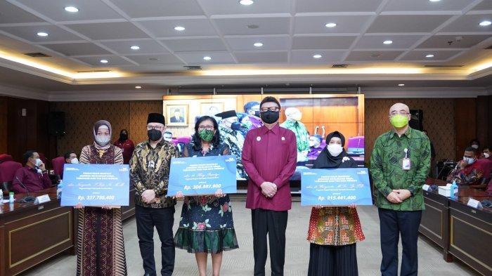 TASPEN dan KemenPAN-RB Serahkan Penghargaan dan Santunan Kepada 8 Ahli Waris Tenaga Medis