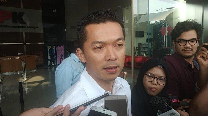 Taufik Hidayat dimintai keterangan dalam penyelidikan kasus saat dirinya menjabat sebagai Wakil Ketua Satuan Pelaksana Program Indonesia Emas (Satlak Prima) dan Staf Khusus di Kemenpora