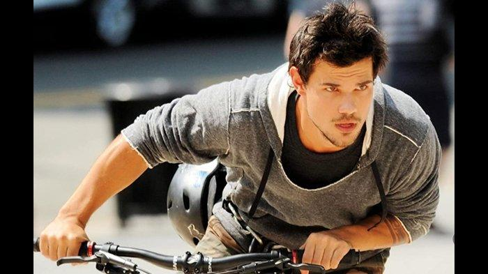 Taylor Lautner dalam Tracers (2015) (IMDb)