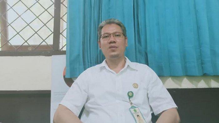 Kepala KUA Pasar Minggu TB Zamroni