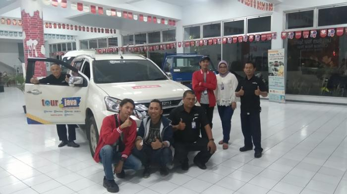 Bakso 'President' Jadi Hidangan Buka Puasa Tim TDJ Mudik Kantor Isuzu Kota Malang