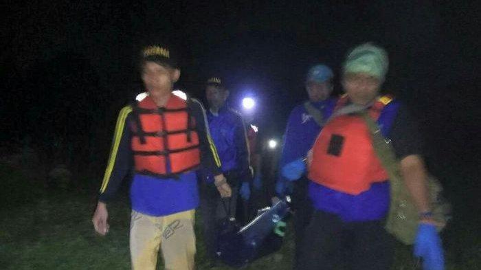Mayat Korban Pembunuhan Tersangkut Sampah di Aliran Kali Angke
