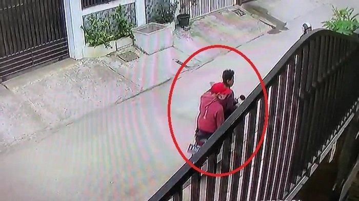 Video CCTV Maling Motor di Medan, Pagi-pagi Masuk Garasi Sambil Bawa Banyak Kunci