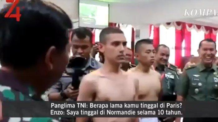 Momen ketika Panglima TNI Marsekal Hadi Tjahjanto berbincang dengan Enzo Zenz Allie. Video ini viral di media sosial.