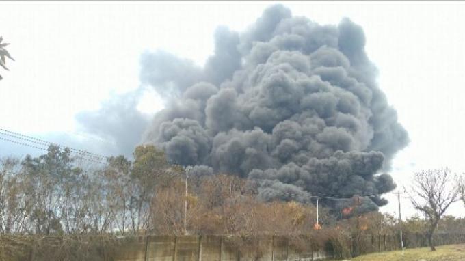 Bagaimana Bisa? Update Hari Ke3 Api Belum Padam, Warga Masih Mengungsi Pasca Kebakaran Kilang Minyak di Balongan