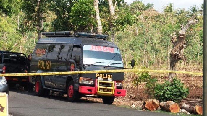Densus Tembak Mati Teroris yang Melemparkan Pom Pipa ke Petugas Saat Disergap di Pelalawan