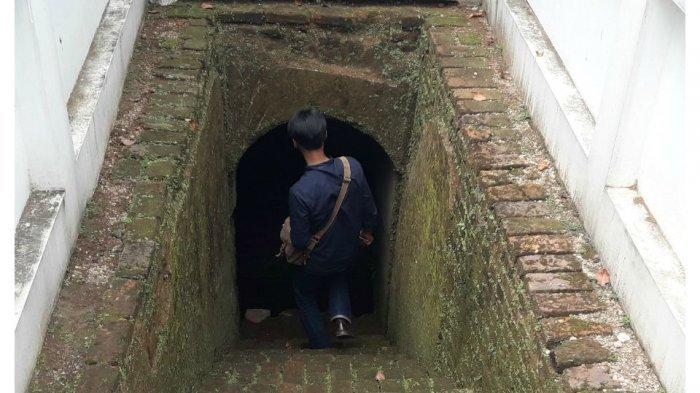 Arah Terowongan di Halaman Gedung BI Jabar Masih Misterius