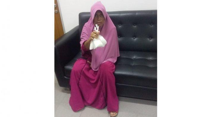 Darmawati Sembunyikan 392 Gram Sabu dalam Kaos Kaki dan Diselipkan di Pembalut