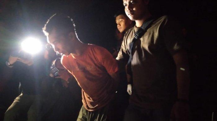 Tersangka DR pelaku mutilasi saat ditangkap di Purwokerto, Kamis (11/7/2019). TRIBUN JATENG/PERMATA PUTRA SEJATI