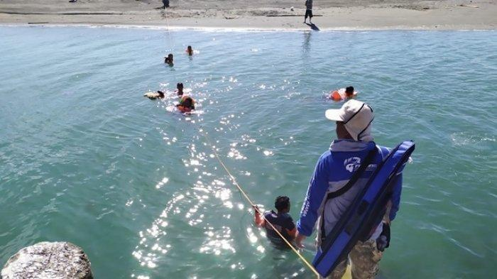Terseret Ombak saat Bermain Air, Bocah 9 Tahun Hilang di Kawasan Pantai Glagah, Pencarian Dilakukan