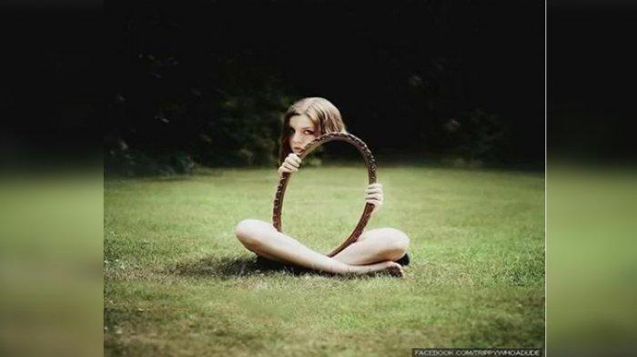 Tes Kepribadian: Gambar Pertama yang Kamu Lihat Ungkap Kecerdasan Emosionalmu, Gadis atau Cermin?