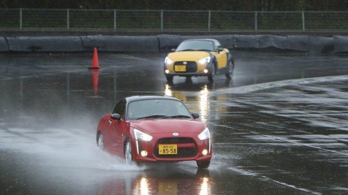 Merasakan Fitur Smart Assist Daihatsu Tanto di Sirkuit Fuji Speedway