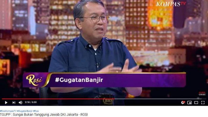 Anggota Tim Gubernur untuk Percepatan Pembangunan (TGUPP) DKI Jakarta Muslim Muin tidak sepakat Gubernur Jakarta Anies Baswedan digugat oleh korban banjir. Bahkan Muslim menyebut 13 sungai besar yang melintang di seluruh penjuru DKI Jakarta bukanlah tanggung jawab Pemerintah Provinsi DKI Jakarta.