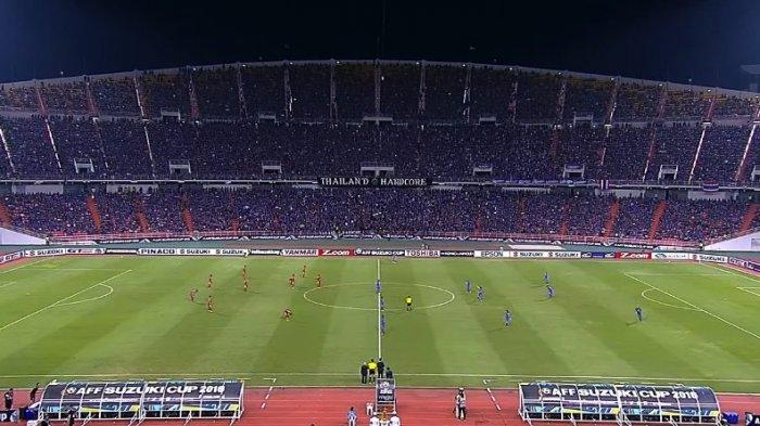"Pekik Teriakan ""Indonesia, Indonesia"" di Tribun Suporter Thailand"