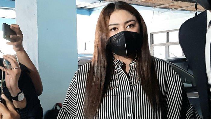 Thalita Latief ketika ditemui usai menjalani sidang cerai di Pengadilan Agama Jakarta Pusat, Kamis (15/4/2021).