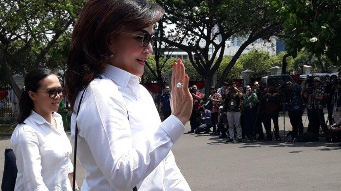 Christiany Eugenia Tetty Paruntu  tiba di Istana Presiden Jakarta, Senin (21/10/2019) sekitar pukul 10.00 WIB. Dia disebut-sebut calon menteri Jokowi.