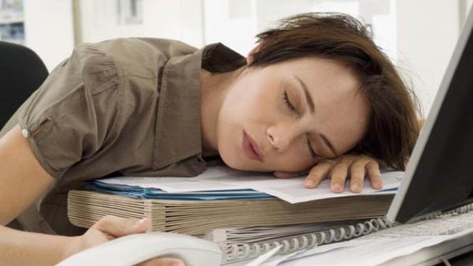 Tidur siang saat kerja